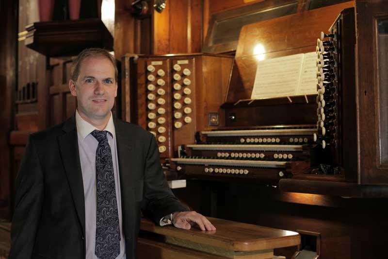 Organist Rental Service